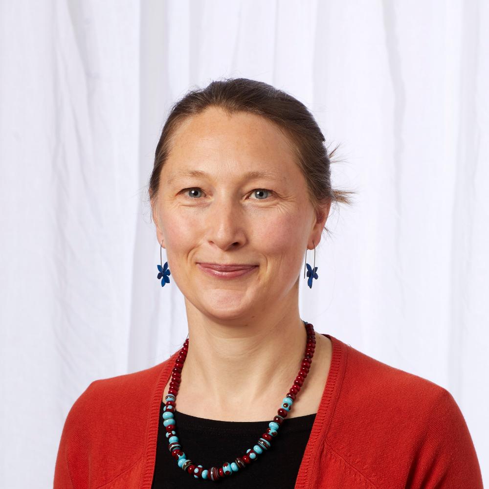 Dr Julie Robarts